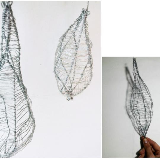 https://marte.art.br/marte/wp-content/uploads/2020/12/Anna-Moraes.-Corpolinha-casulo.-Escultura.-Arame.-Dimensões-variadas-ente-15x10x8-540x540.png